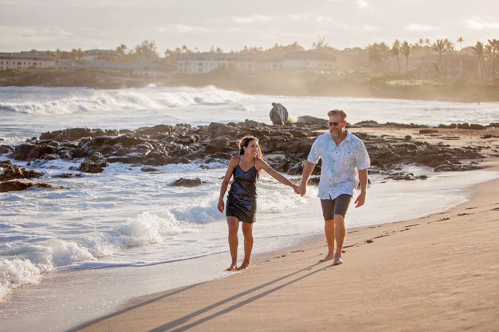 Hawaii couples photographer Grand Hyatt Kauai Resort beach family session
