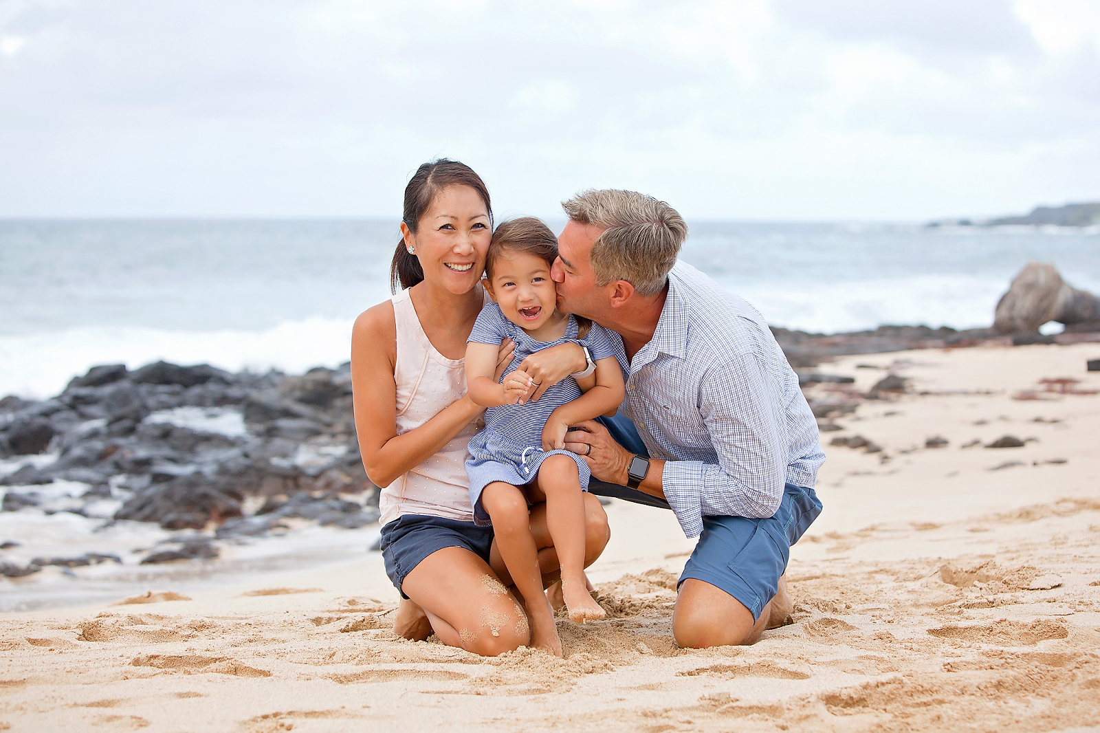 Hawaii family photographer beach family photography Hawaii