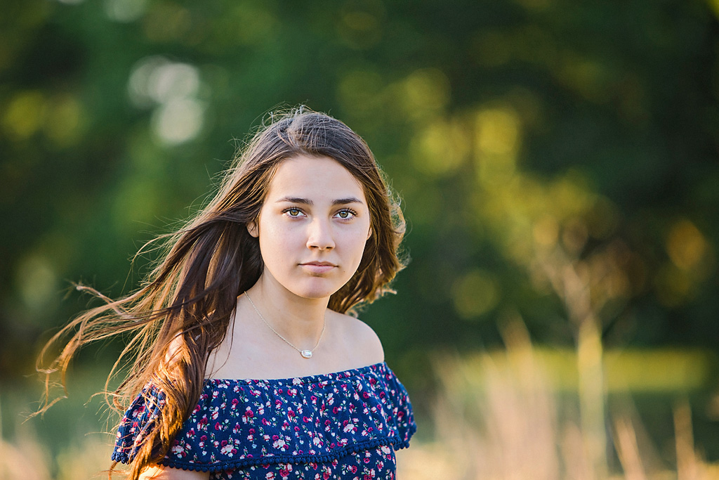 Senior Portraits Austin girl in a field